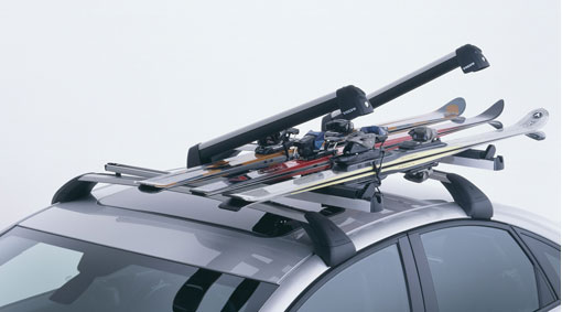 Diagram Ski carrier with sliding rail A ski carrier for anyone who wants the very best. There's no need to climb on the car and get dirty when loading and unloading. With a simple pull, the ski carrier slides out to the side of the car, providing easier access to your skis. for your Volvo XC40